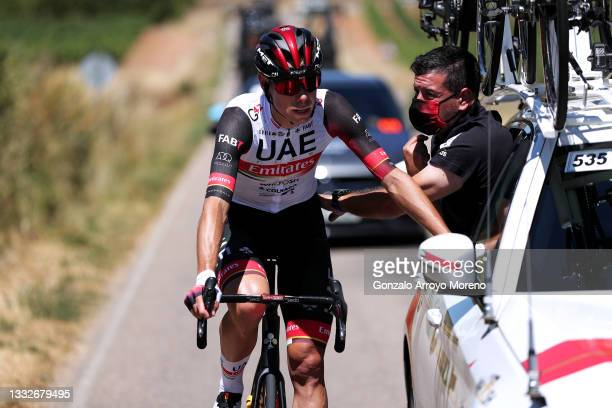 David De La Cruz Melgarejo of Spain and UAE Team Emirates assisted by Team Car during the 43rd Vuelta a Burgos 2021, Stage 4 a 149km stage from Roa...