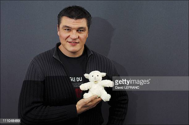 David Douillet at the Grand Cast of comforters stars organized by the famous brand Brandt in Paris France on January 27th 2006