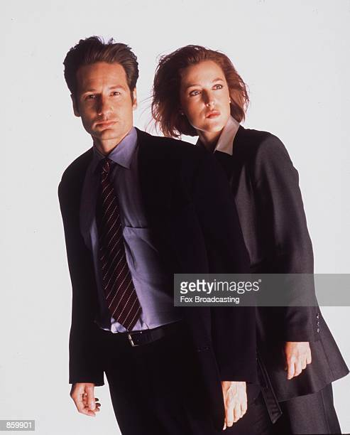 David Duchovny and Gillian Anderson star in year 6 of The XFiles Photo by FOX/Liaison