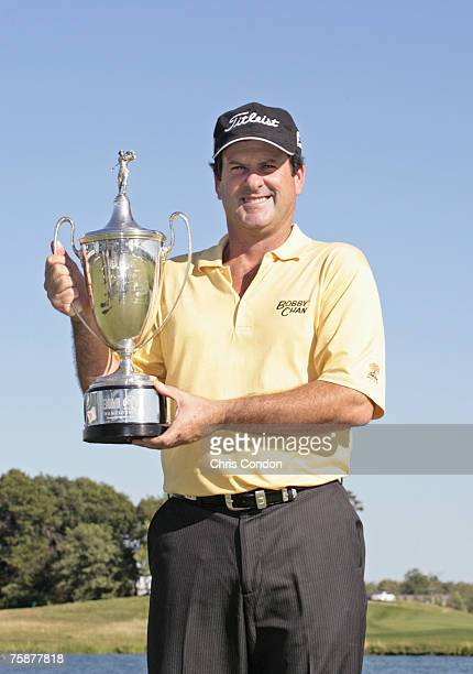 David Edwards wins the 3M Championship held at TPC Twin Cities in Blaine Minnesota on August 6 2006 Photo by Chris Condon/PGA TOUR