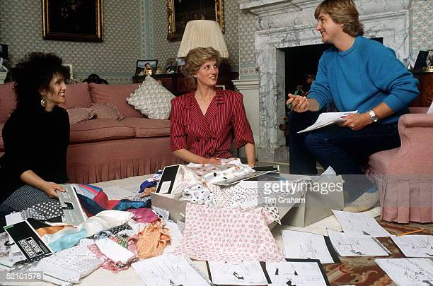 David & Elizabeth Emanuel With Princess Diana Looking At Designs And Fabrics In Her Sitting Room At Kensington Palace. They Were Planning Her Outfits...