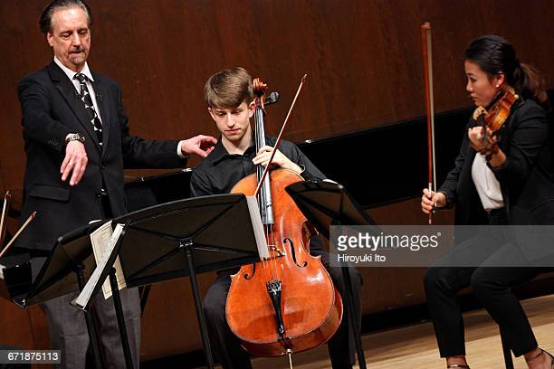 David Finckel Master Class at Juilliard School's Paul Hall on Monday afternoon, March 21, 2016. This image: With Lumiere Quartet. From left, David...