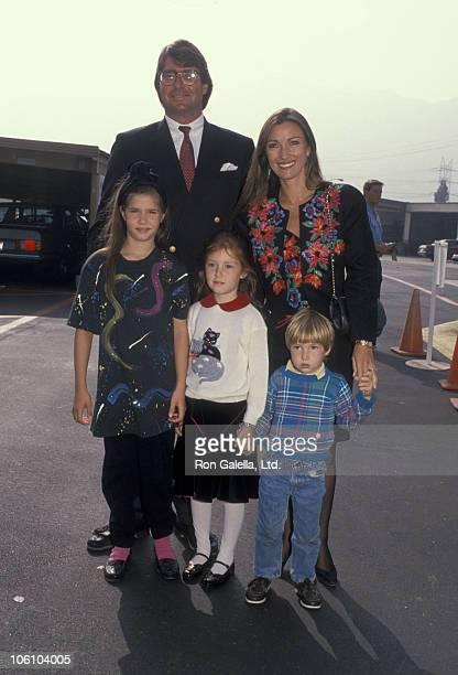 David Flynn and Jane Seymour with their children Jennifer Flynn Katherine Flynn and Sean Flynn