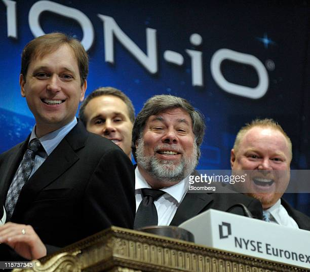 David Flynn president and chief executive officer of Fusionio Inc left Steve Wozniak chief scientist of Fusionio center and Rick White cofounder...