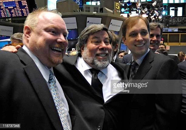 David Flynn president and chief executive officer of Fusionio Inc right Steve Wozniak chief scientist of Fusionio center and Rick White cofounder...