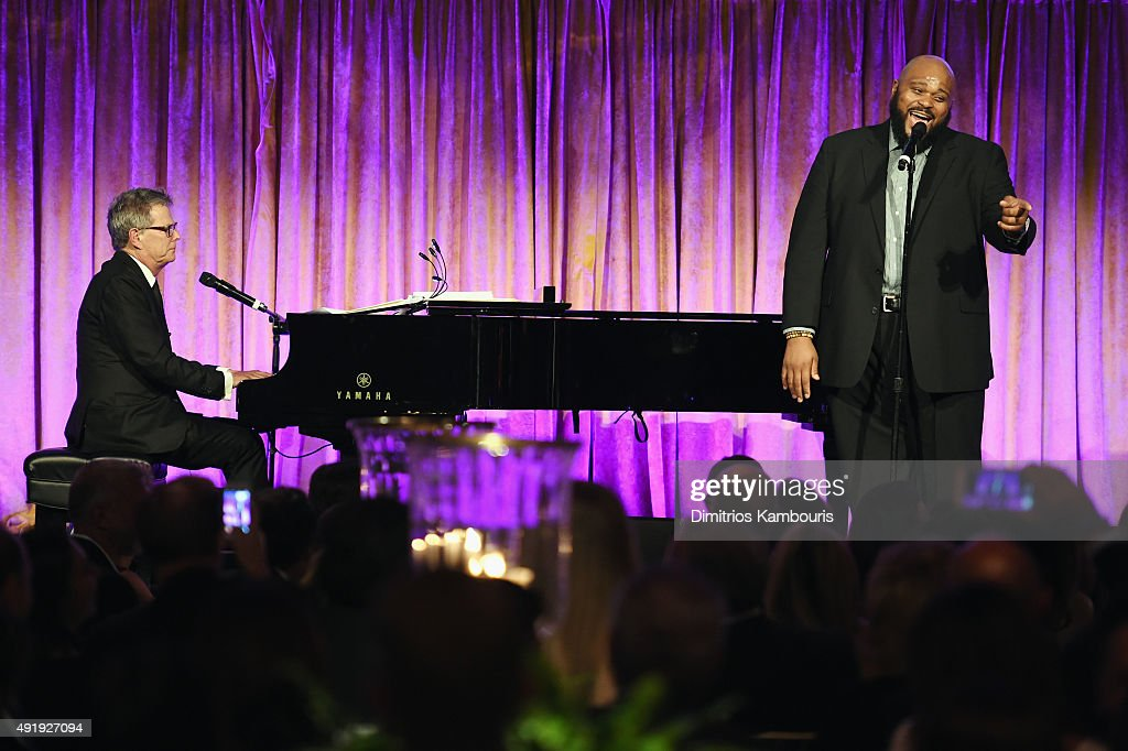David Foster (L) and Ruben Studdard perform onstage during the Global Lyme Alliance 'Uniting for a Lyme-Free World' Inaugural Gala at Cipriani 42nd Street on October 8, 2015 in New York City.