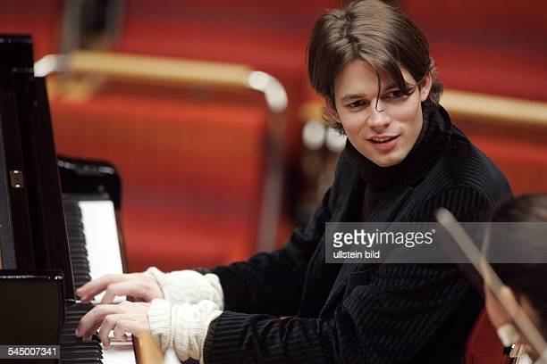 David Fray Musician Pianist Classical music France performing in Cologne Germany