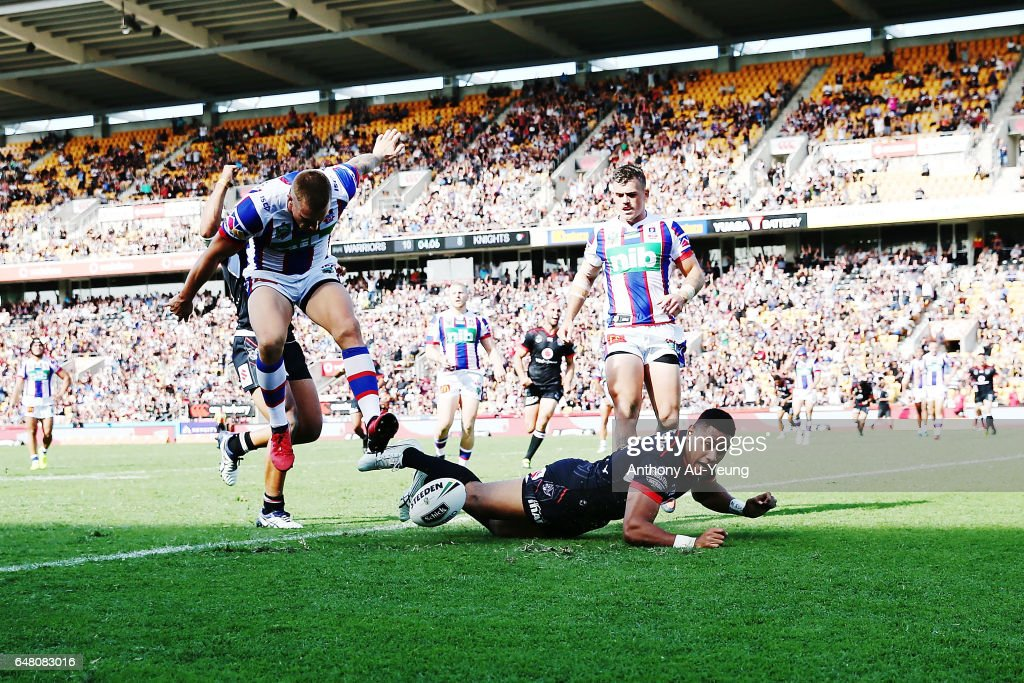 David Fusitu'a of the Warriors scores a try during the round one NRL match between the New Zealand Warriors and the Newcastle Knights at Mt Smart Stadium on March 5, 2017 in Auckland, New Zealand.