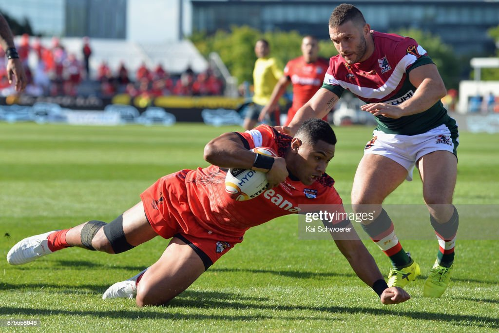 David Fusitu'a of Tonga dives over to score a try during the 2017 Rugby League World Cup Quarter Final match between Tonga and Lebanon at AMI Stadium on November 18, 2017 in Christchurch, New Zealand.