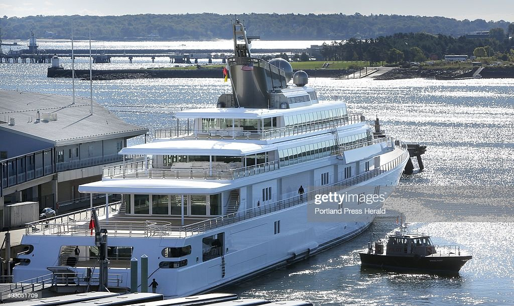 David Geffen's yacht Rising Sun came into Portland on Tuesday morning, September 24, 2013. : News Photo