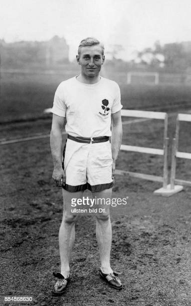 David George Brownlow Cecil 6 Marquess of Exeter Lord Burghley David Burghley Leichtathlet Olympiasieger 1928 Präsident des IAAF England Portrait des...