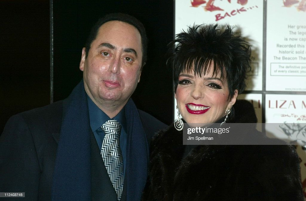 "Liza Minnelli In-Store At Tower Records New York  Promoting Her New CD ""Liza's"