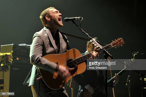 David Gray performs on stage at Hammersmith Apollo on December 9 2009 in London England