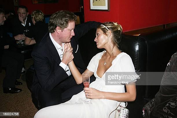 David Gronewold Und Mia Florentine Weiss Bei Der Blue Midnight Party Im Roma Salon In München