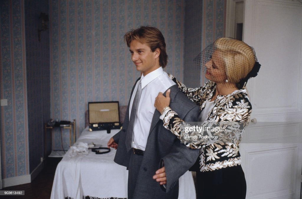 David Hallyday with his mother Sylvie Vartan on his wedding day with Estelle Lefebure, 15th September 1989