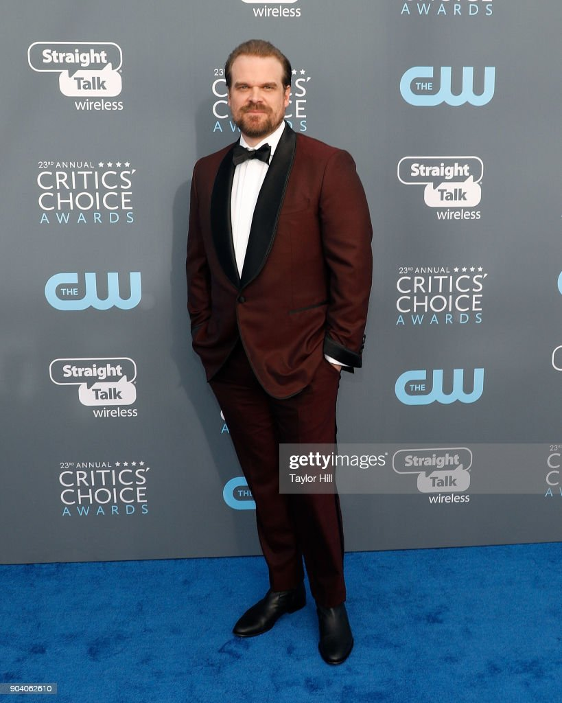 David Harbour attends the 23rd Annual Critics' Choice Awards at Barker Hangar on January 11, 2018 in Santa Monica, California.