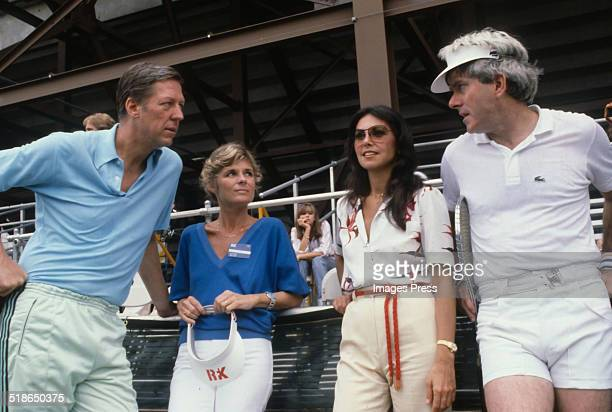 David Hartman Maureen Downey Marlo Thomas and Phil Donahue attends the annual Robert F Kennedy ProCelebrity Tennis Tournament at the Forest Hills...