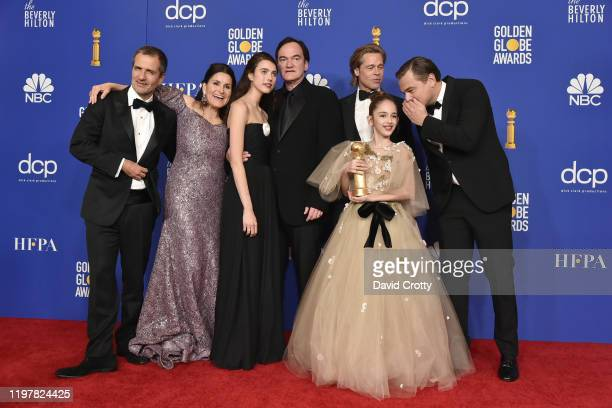David Heyman Shannon McIntosh Margaret Qualley Quentin Tarantino Brad Pitt Julia Butters and Leonardo DiCaprio attend The 77th Golden Globes Awards...