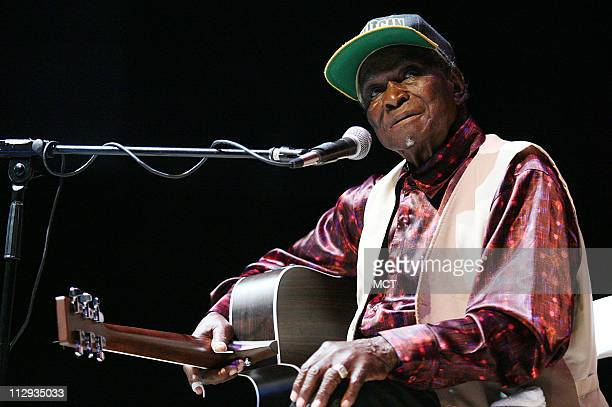 David Honeyboy Edwards performs before students of Georgetown Preparatory School in North Bethesda Maryland Thursday October 4 2007 The Blues legend...