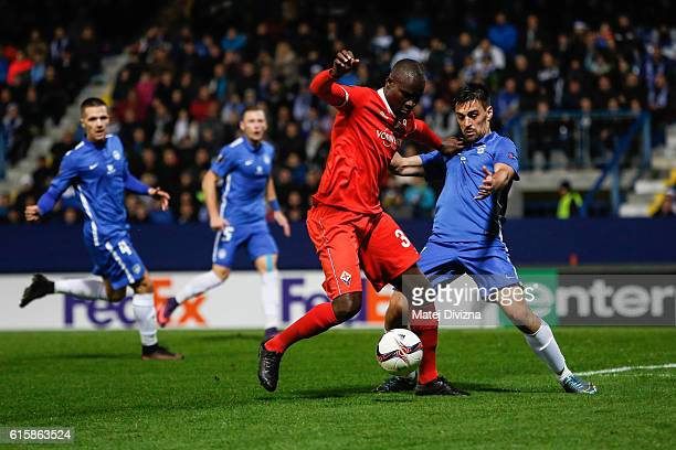 David Hovorka of Liberec competes for the ball with Khouma Babacar of Fiorentina during the UEFA Europa League match between FC Slovan Liberec and...