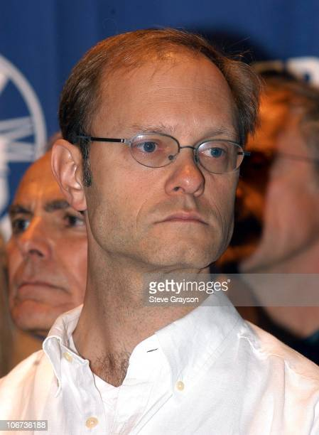 """David Hyde Pierce during Press Conference for SAG and AFTRA Members Announcing """"I Am Voting YES"""" for Union Consolidation at Screen Actors Guild -..."""