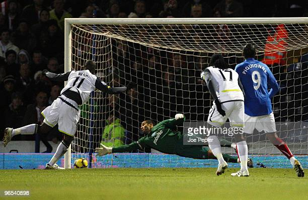 David James of Portsmouth fails to save penalty goal scored by Darren Bent of Sunderland during the Barclays Premier League match between Portsmouth...