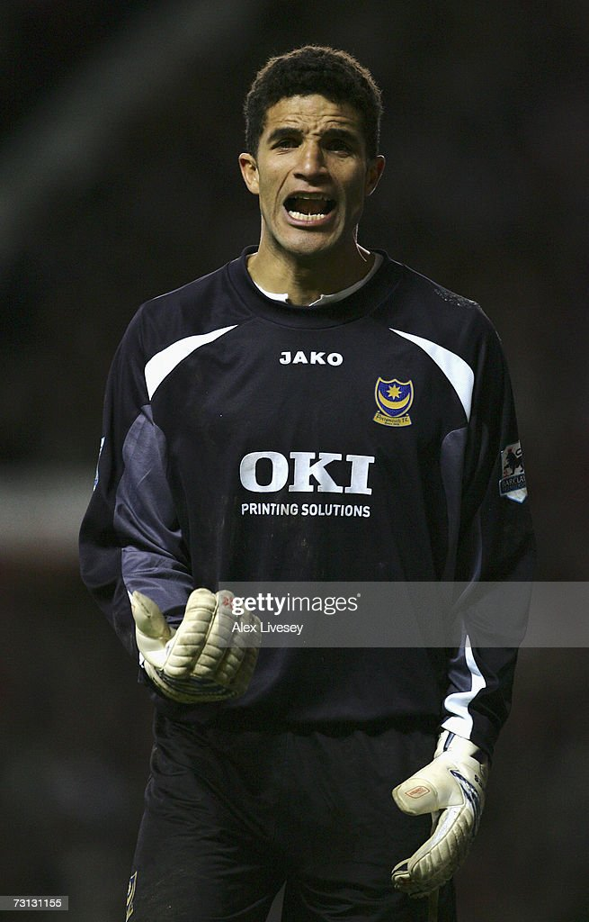David James of Portsmouth shouts instructions to his team mates during the FA Cup sponsored by E.ON Fourth Round match between Manchester United and Portsmouth at Old Trafford on January 27, 2007 in Manchester, England.