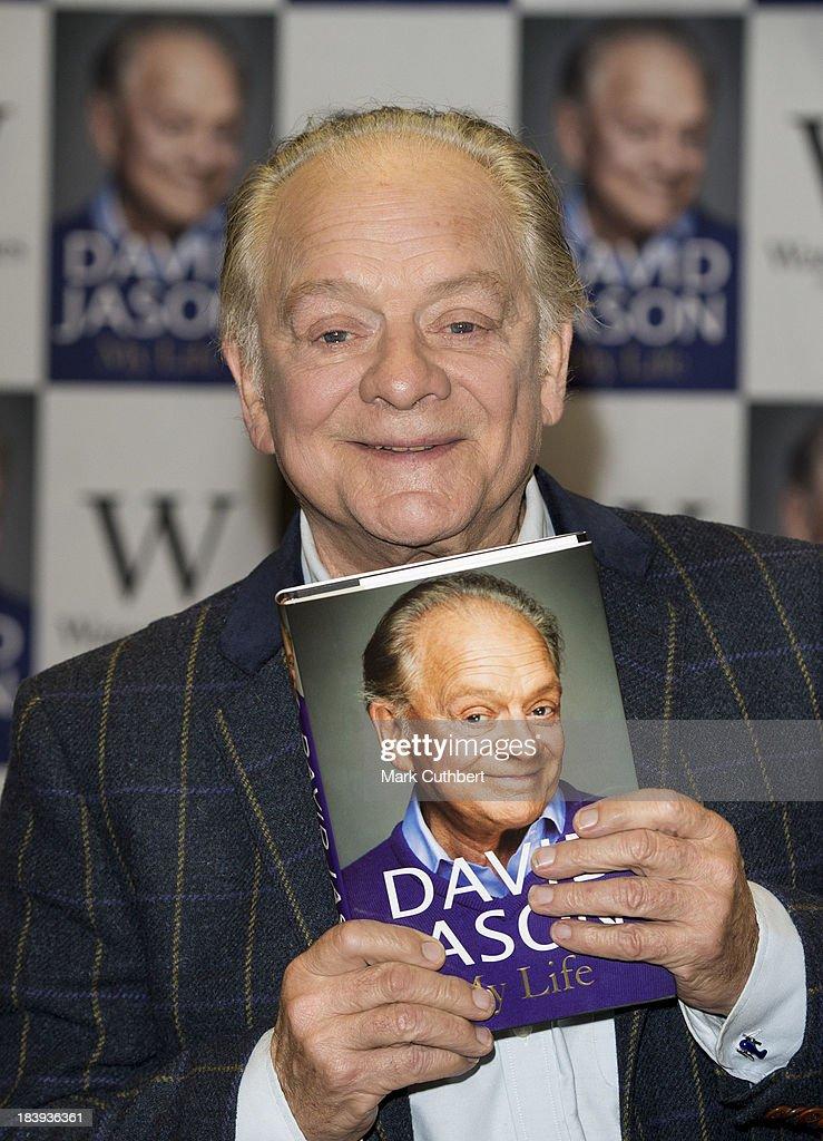 David Jason - Book Signing : News Photo