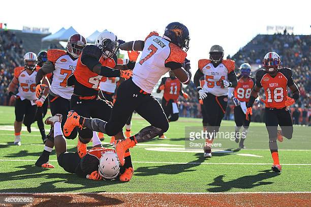 David Johnson of the South team scores a touchdown against the North team during the first quarter of the Reese's Senior Bowl at Ladd Peebles stadium...