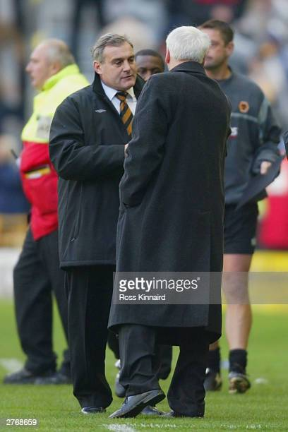 David Jones manager of Wolverhampton and Sir Bobby Robson manager of Newcastle during the FA Barclaycard Premiership match between Wolverhampton...