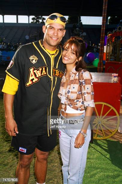 David Justice and Halle Berry at the MTV's 7th Annual Rock 'n Jock Softball at in Los Angeles California