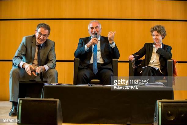 David Kimelfeld président de la métrople de Lyon Georges Képénékian maire de Lyon et Sylvie Ramond directrice du Musée des BeauxArts de Lyon lors de...