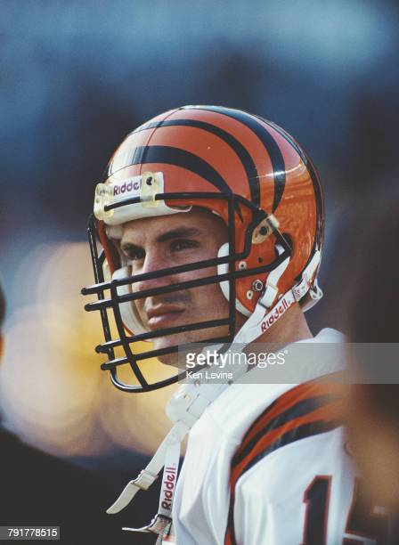 David Klingler Quarterback for the Cincinnati Bengals during the American Football Conference West game against the San Diego Chargers on 13 December...