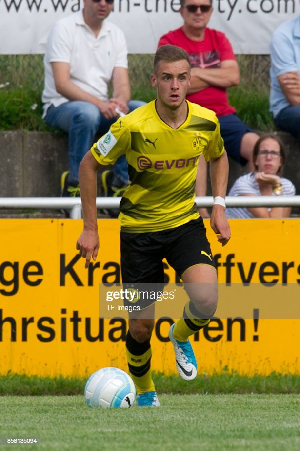 David Kopacz of Dortmund controls the ball during the EMKA RUHR-Cup International match between Borussia Dortmund U19 and AS Rom U19 at Stadion Montanhydraulik-Stadion on August 4, 2017 in Holzwickede, Germany.