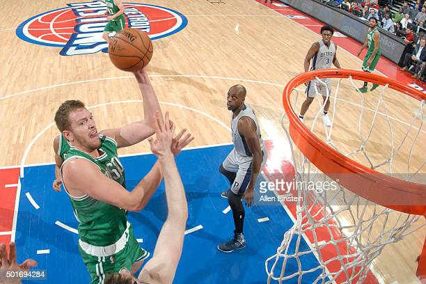 David Lee of the Boston Celtics shoots the ball against the Detroit Pistons on December 16 2015 at The Palace of Auburn Hills in Auburn Hills...