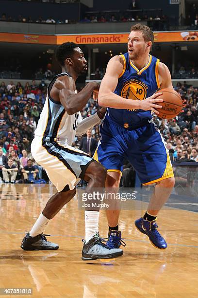 David Lee of the Golden State Warriors handles the ball against Jeff Green of the Memphis Grizzlies on March 27 2015 at FedExForum in Memphis...