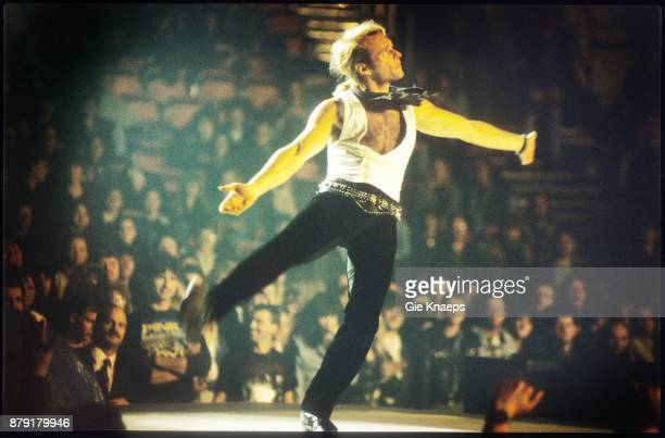 David Lee Roth performing on stage Vorst Nationaal Brussels Belgium 21st March 1991