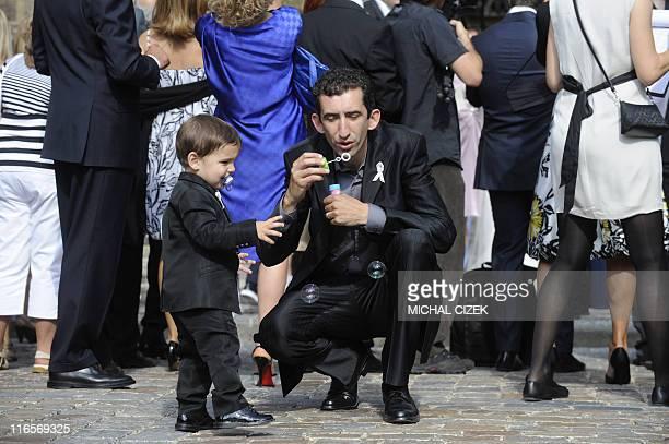 David Lee , son of Italian National football team goalkeeper Gianluigi Buffon and Alena Seredova, tries to catch bubbles during his parents wedding,...