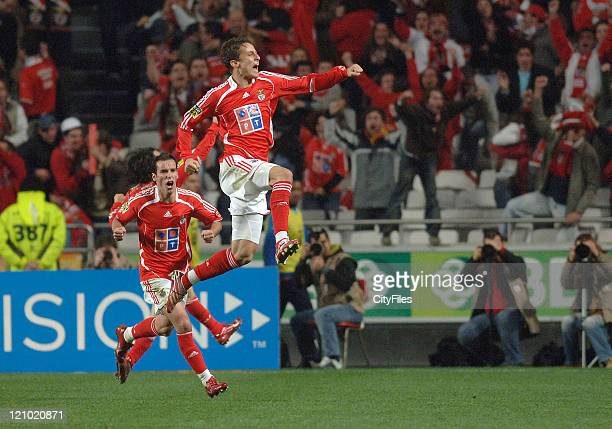 David Luiz and Petit during a Portuguese premier league match between SL Benfica and FC Porto in Lisbon Portugal on April 1 2007