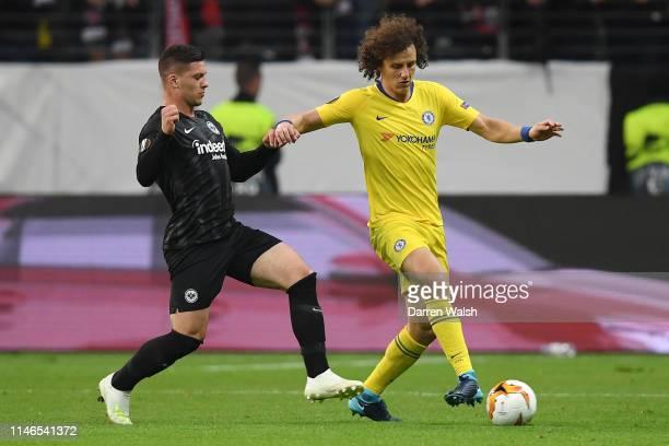 David Luiz of Chelsea holds off Luka Jovic of Eintracht Frankfurt during the UEFA Europa League Semi Final First Leg match between Eintracht...