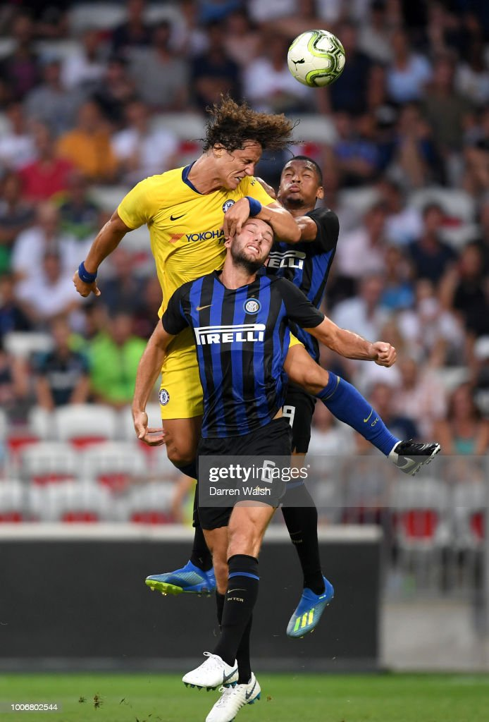 David Luiz of Chelsea wins a header over Matteo Politano of FC Internazionale during the International Champions Cup 2018 match between Chelsea and FC Internazionale at Allianz Riviera Stadium on July 28, 2018 in Nice, France.
