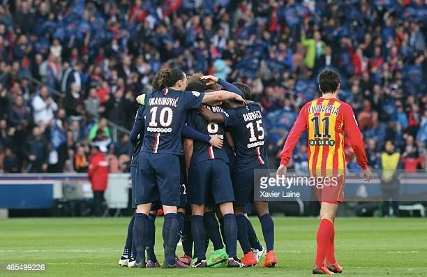 David Luiz of Paris SaintGermain celebrates his goal with team mates during the French League 1 match between Paris SaintGermain FC and RC Lens at...