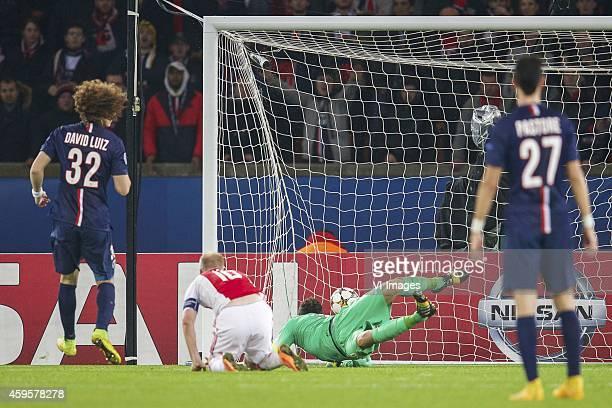 David Luiz of Paris SaintGermain Davy Klaassen of Ajax goalkeeper Salvatore Sirigu of Paris SaintGermain Javier Pastore of Paris SaintGermain 11...