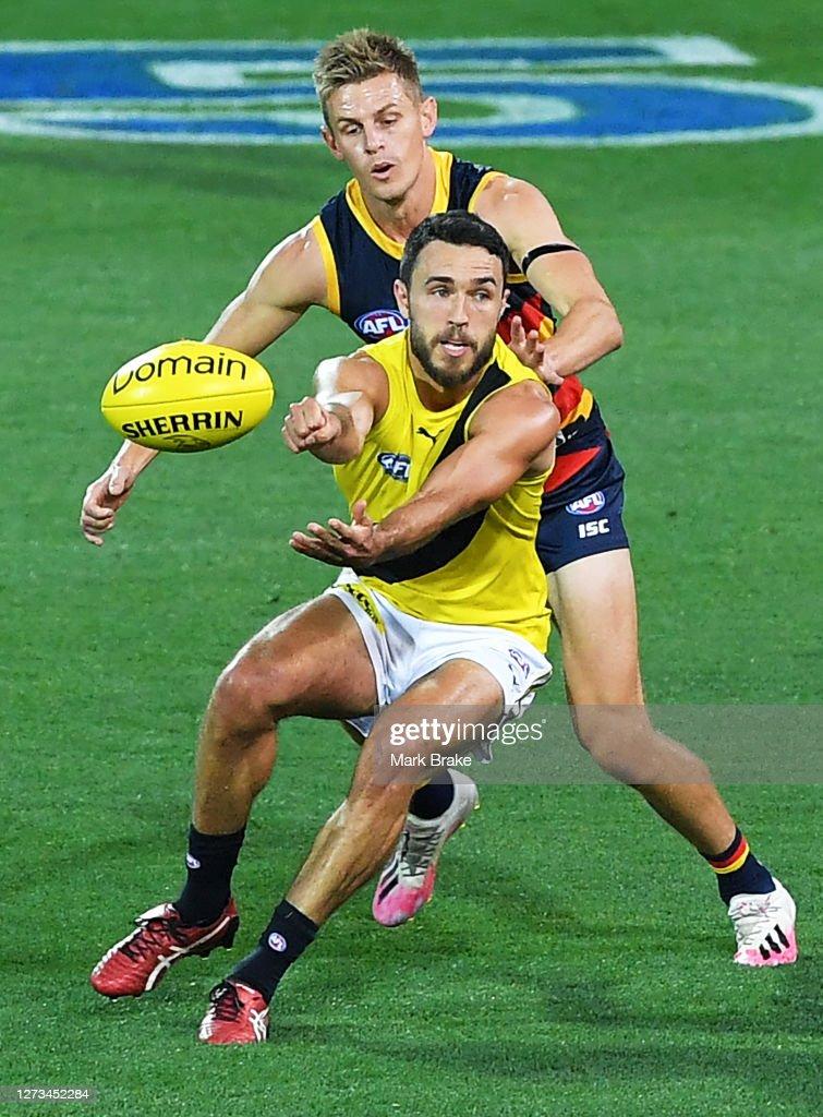 AFL Rd 18 - Adelaide v Richmond : News Photo