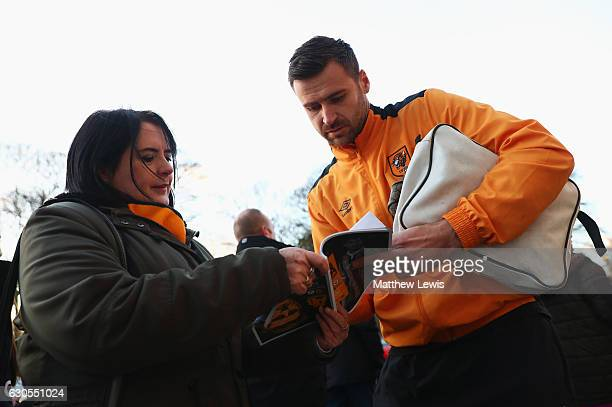 David Marshall of Hull City signs autographs prior to the Premier League match between Hull City and Manchester City at KCOM Stadium on December 26...