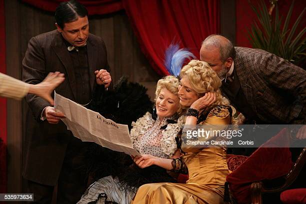 David Martin Sophie Davant MarieAnge Nardi and Jerome Bonaldi in the play 'Un Fil à la Patte' by Feydeau adapted by Olivier Minne and directed by...