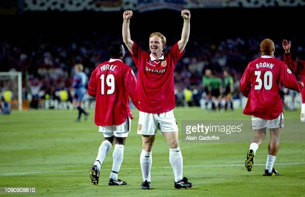 David May celebrates the victory during the UEFA Champions league final match between Manchester United and Bayern Munich on May 26 1999 in Camp Nou...