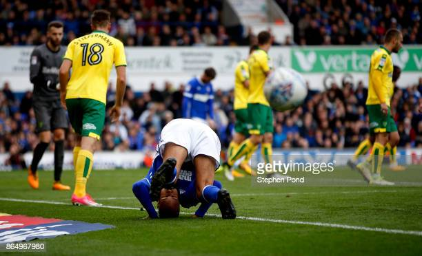 David McGoldrick of Ipswich Town misses a goal opportunity during the Sky Bet Championship match between Ipswich Town and Norwich City at Portman...