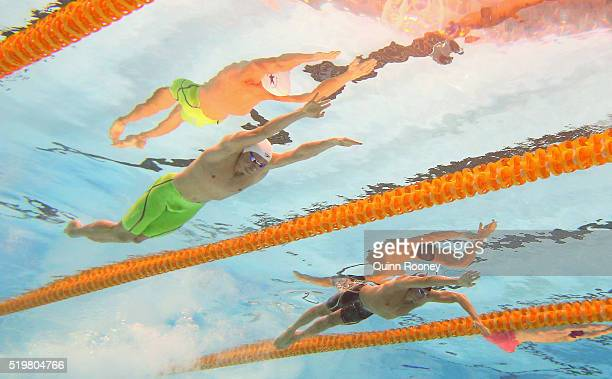 David McKeon and Grant Hackett of Australia compete in the Men's 200 Metre Freestyle during day two of the 2016 Australian Swimming Championships at...