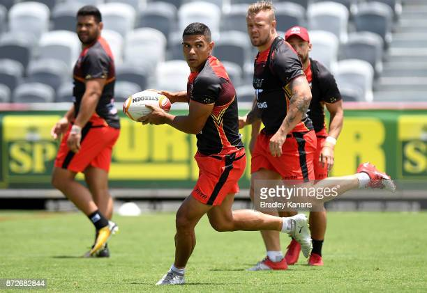 David Mead looks to pass during a PNG Kumuls Rugby League World Cup captain's run on November 11 2017 in Port Moresby Papua New Guinea